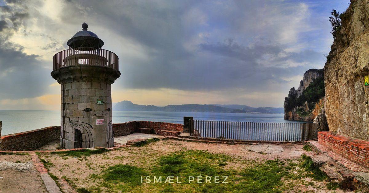 El faro del Caballo por Ismael Pérez