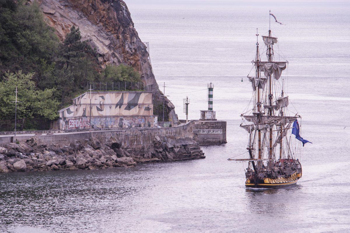 La fragata Shtandart en -Pasaia- por Iñaki Peñalba