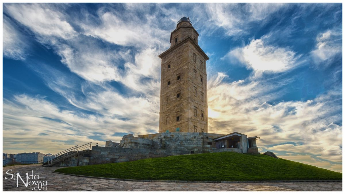 La Torre de Hércules por Sindo Novoa