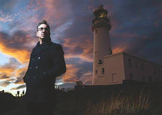 La imagen tiene un atributo ALT vacío; su nombre de archivo es Richard-Hawley-Flamborough-Head-Lighthouse.jpg