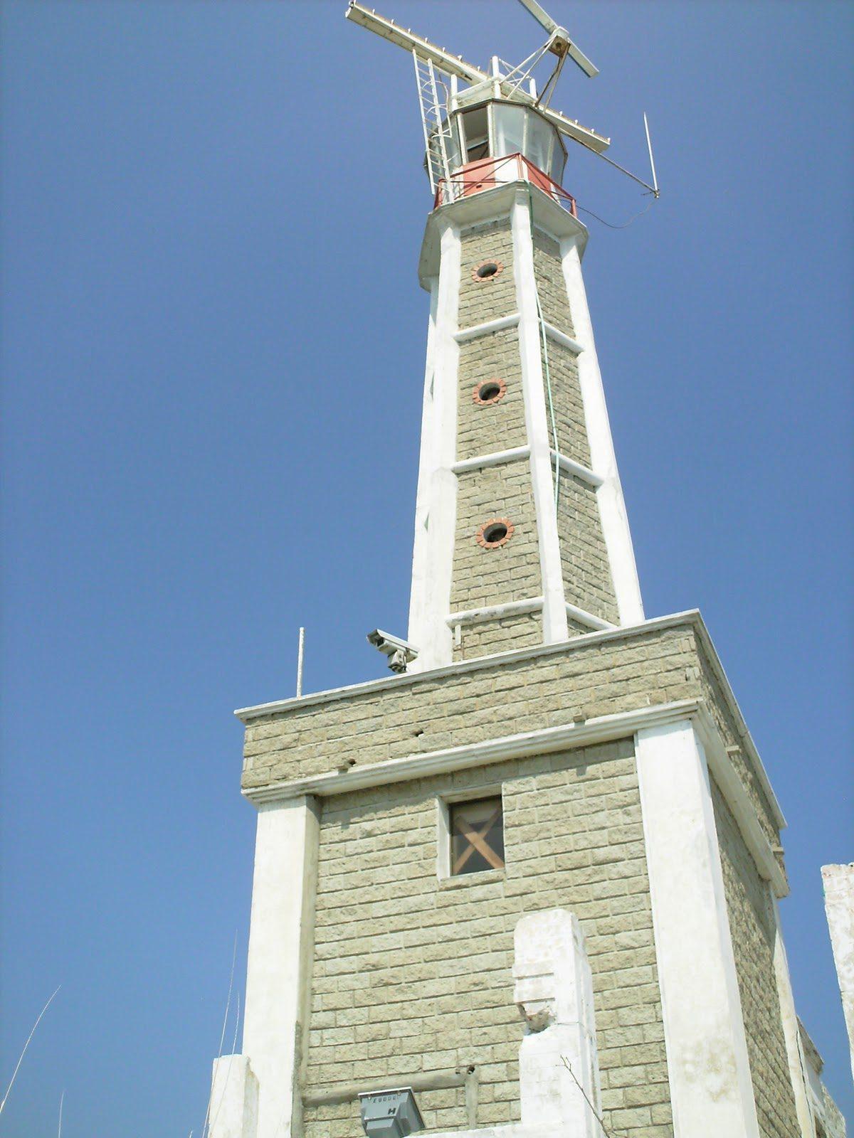 Faro del Morro:  el centinela de la Sierra Nevada del Caribe