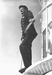 lighthouse-keeper-uniform-1920