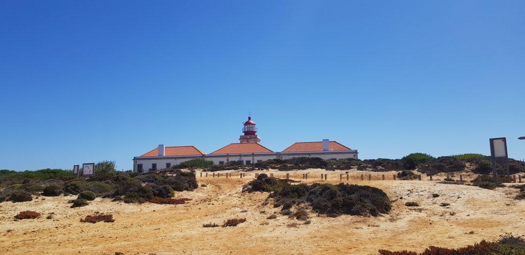 La imagen tiene un atributo ALT vacío; su nombre de archivo es Cabo-Sardao-6-1040x506.jpg