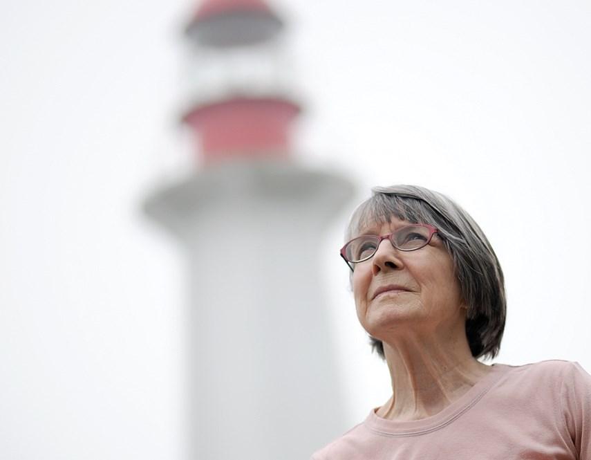 La imagen tiene un atributo ALT vacío; su nombre de archivo es Elaine-Graham-Lighthouse-keeper.jpg