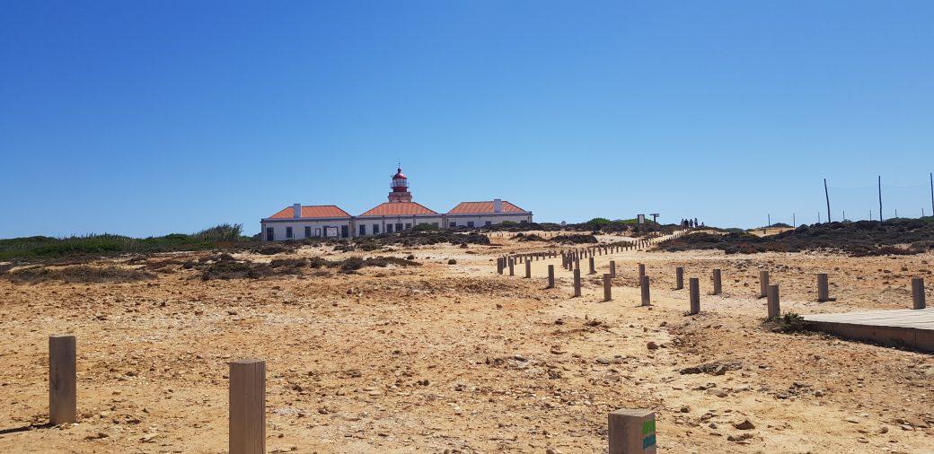 La imagen tiene un atributo ALT vacío; su nombre de archivo es Cabo-Sardao-8-1040x506.jpg