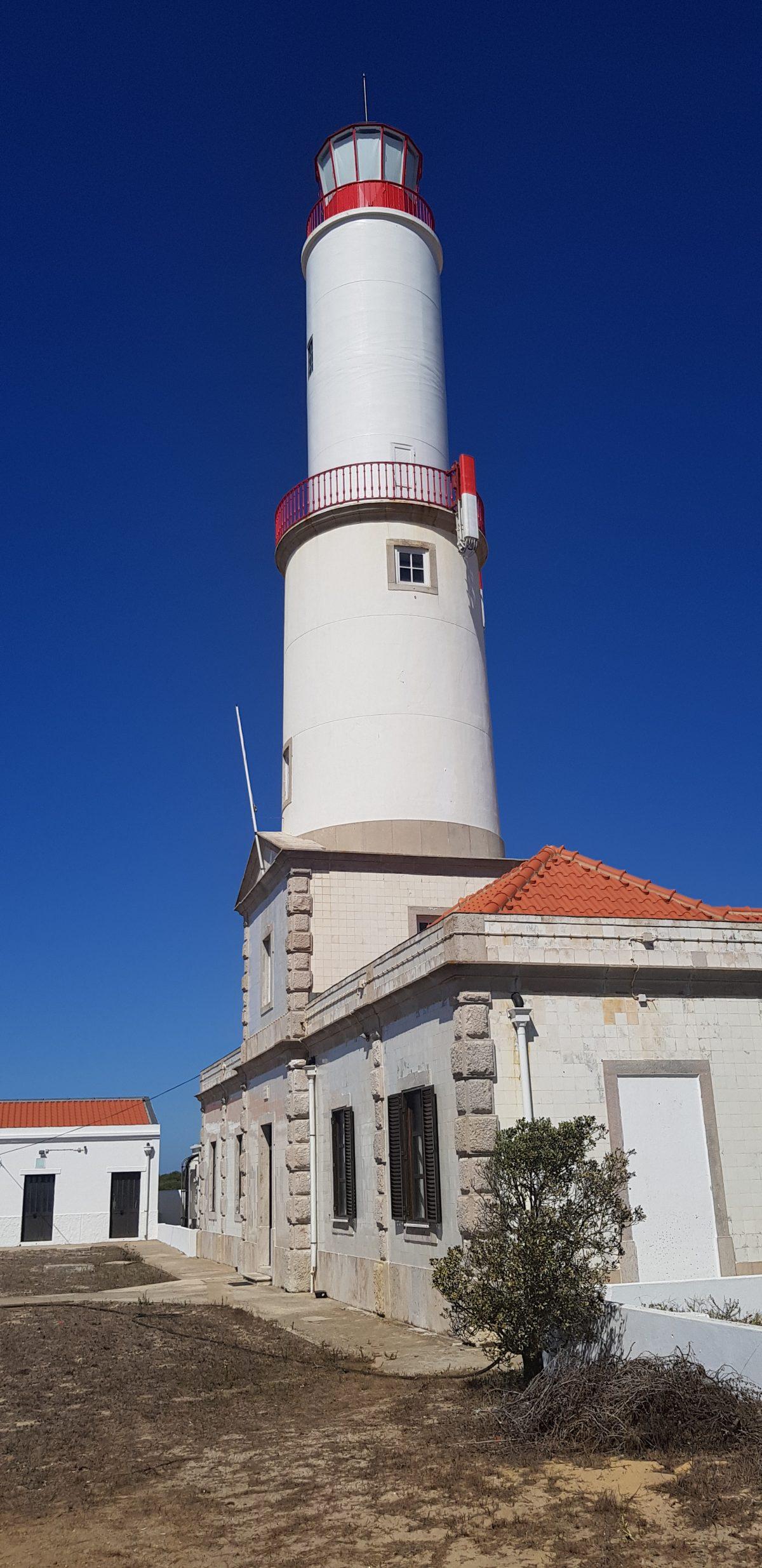 Os Faróis portugueses por Arual. Farol do Cabo de Sines