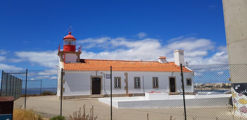 La imagen tiene un atributo ALT vacío; su nombre de archivo es Farol-da-Ponta-do-Altar-5-1040x506.jpg