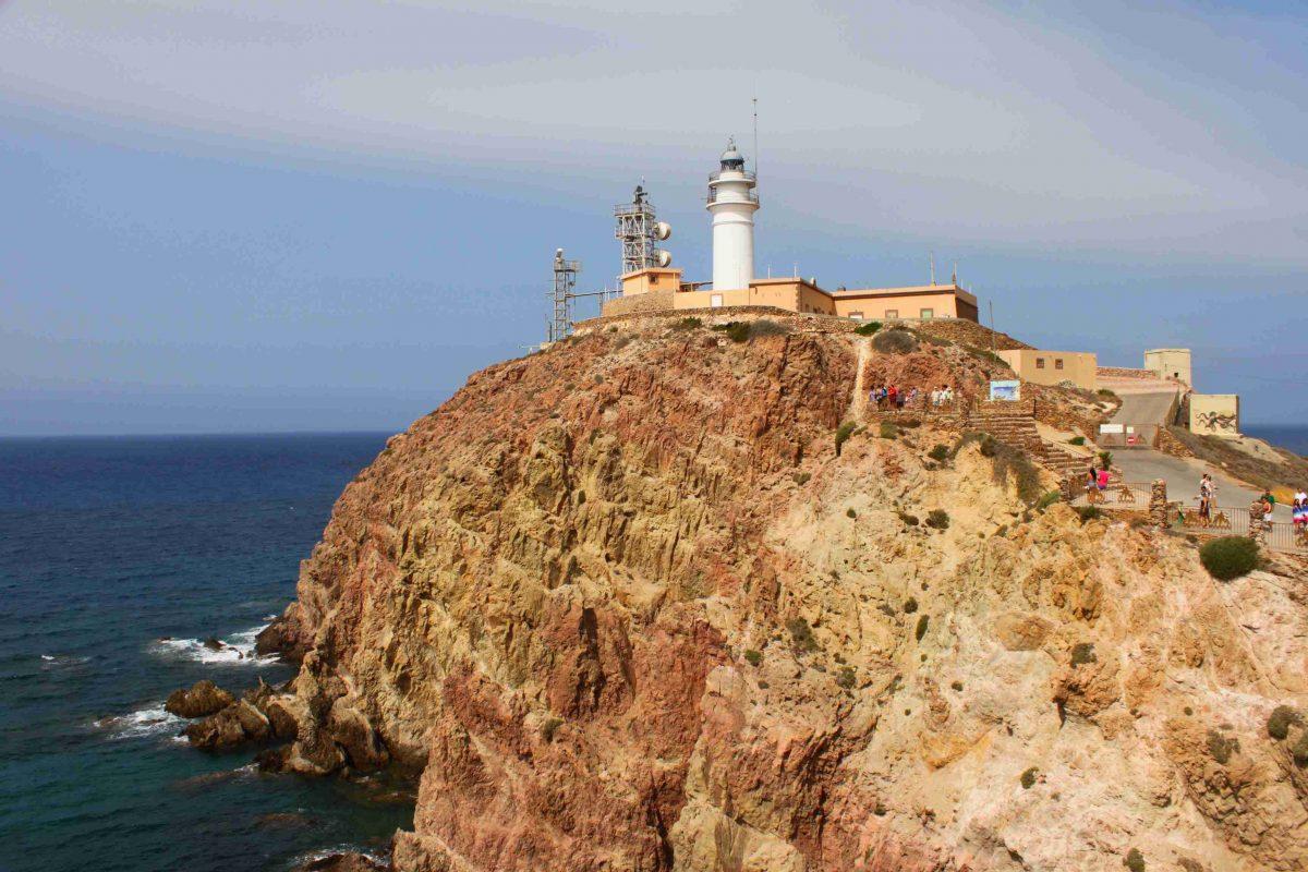 Faro de Cabo de Gata: entre leyendas de piratas, naufragios y sirenas