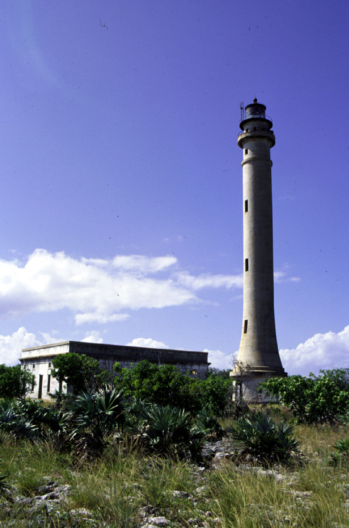 Faro de Navaza -Navassa Lighthouse- ¿Haití o EE. UU.?