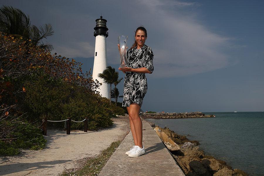 La imagen tiene un atributo ALT vacío; su nombre de archivo es Johanna-Konta-Cape-florida-lighthouse.jpg