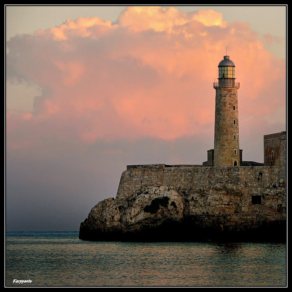 Faro del Castillo de los Tres Reyes Magos del del Morro, La Habana (Cuba)